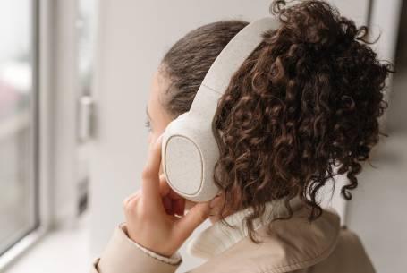 Wheat straw eco headphones